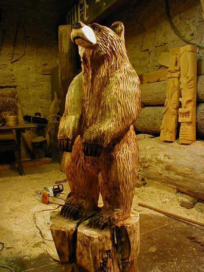 holzschnitzer holzb r b r wood carver chainsaw artist carving baerart skulpturen und totems. Black Bedroom Furniture Sets. Home Design Ideas