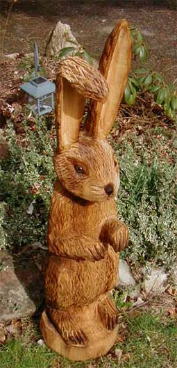 Hase osterhase rabbit holger bär wood carver chainsaw