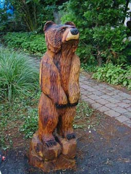 Bear Yard Tree Chainsaw carving